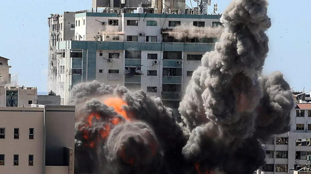 Media acts as Weapon of Mass-Distraction in Israel-Hamas conflict